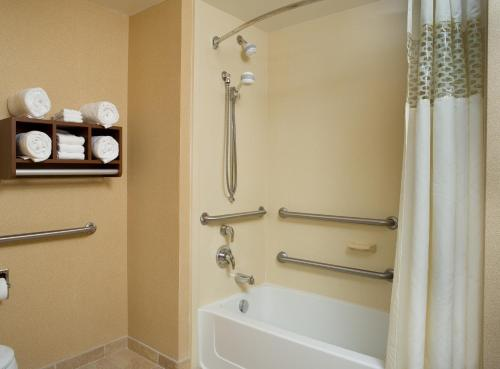 Hampton Inn & Suites Pittsburgh-Meadow Lands - Canonsburg, PA 15301