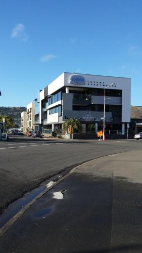 Hotel Sumner Re Treat Luxury Apartments