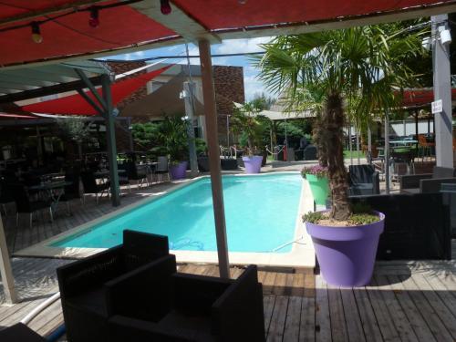 __{offers.Best_flights}__ Ambiance Hotel