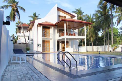 . Bluewater Beach Resort
