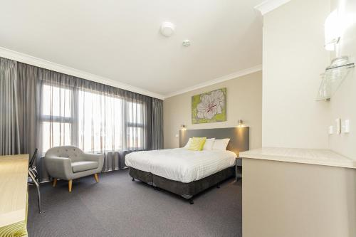 Фото отеля Cowra Services Club Motel