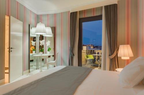 Grand Hotel Palace Rome - image 12