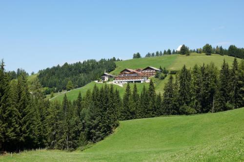 Kräuterhotel Zischghof - Hotel - Obereggen