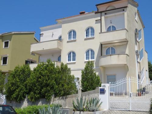 . Apartments Villa Urbajs