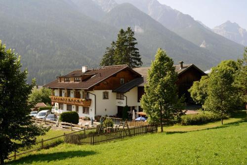 . Gästehaus Rettenbacher