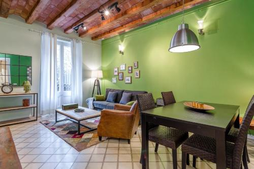 Urban District Apartments - St. Antoni Market (3BR) impression