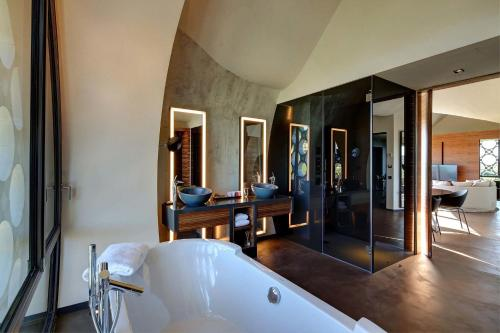 Suite Deluxe Mastinell Cava & Boutique Hotel by Olivia Hotels Collection 17