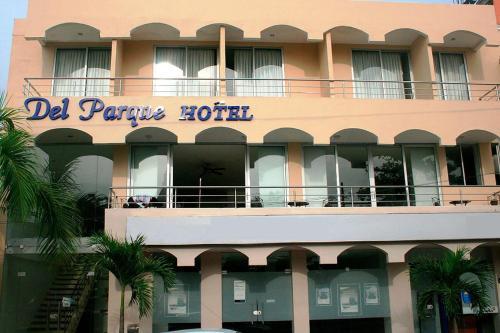 . Del Parque Hotel