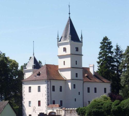 . Schloss Rothenhof