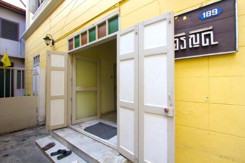Charoendee Boutique Hostel photo 14