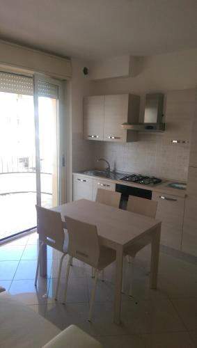 hotel appartamento brezza marina (alba adriatica) da 85€ - volagratis
