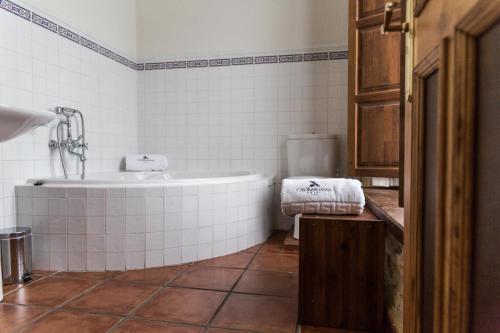 Habitación Doble con bañera de hidromasaje Casona del Nansa 29