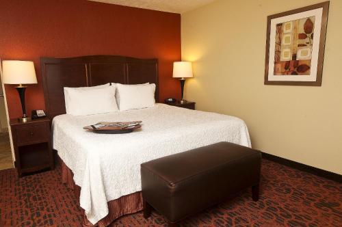 Hampton Inn & Suites Fargo in Fargo
