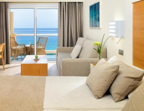 Habitación Doble Confort con vistas al mar XQ El Palacete 1