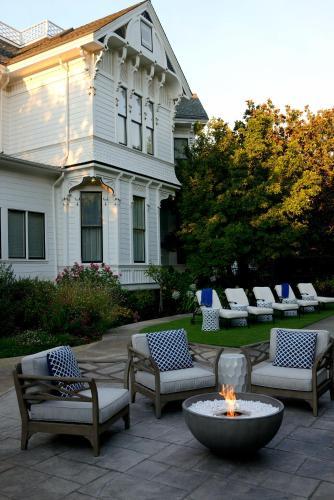 443 Brown Street, Napa, California 94559, United States.