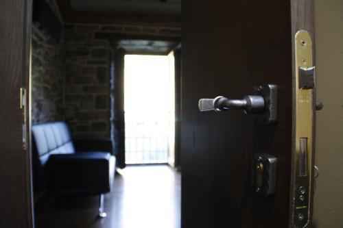 Suite Deluxe con bañera de hidromasaje Casona de El Castañíu 10