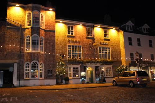 The Golden Fleece Hotel, Thirsk, North Yorkshire - Photo 3 of 96