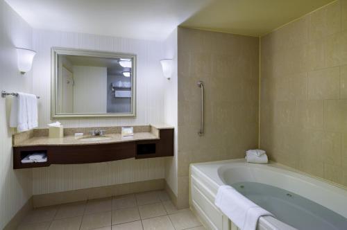 Hilton Garden Inn Hartford South/Glastonbury - Glastonbury, CT 06033
