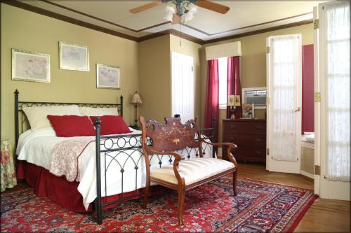 Amethyst Inn - Adamstown, PA 19501
