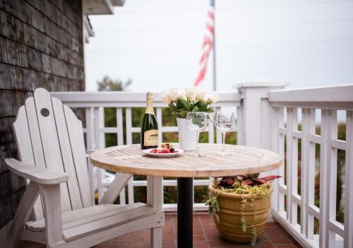 Inn On Summerhill - Santa Barbara, CA 93101
