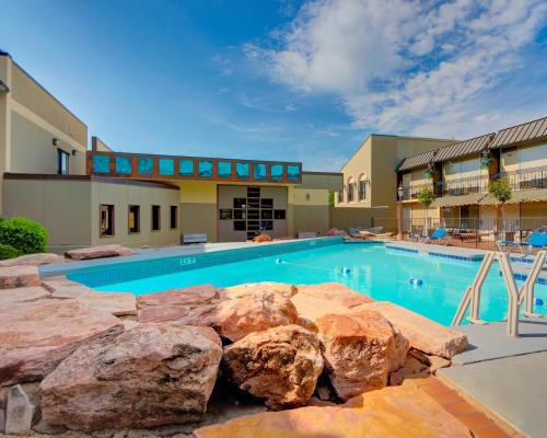 Western Inn And Suites