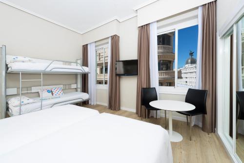 Hotel Madrid Gran Via 25 Affiliated by Meliá - image 10