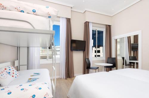 Hotel Madrid Gran Via 25 Affiliated by Meliá - image 9