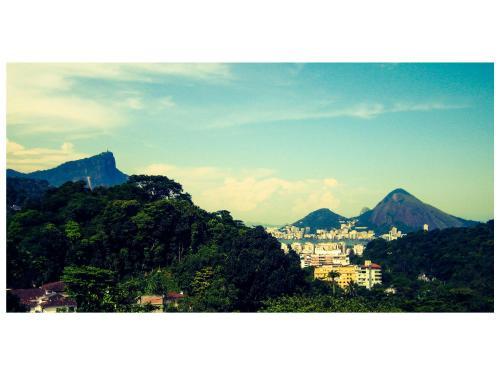 Rua Sérgio Pôrto, 85, Gávea, Rio de Janeiro 22451-430, Brazil.