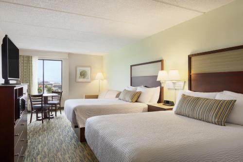 Photo - Surfside Beach Oceanfront Hotel