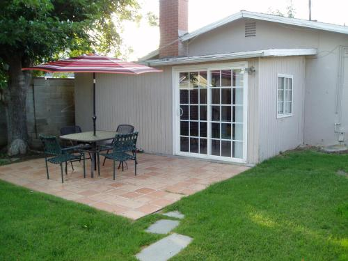 Comfy 3 Bedroom Home - Van Nuys, CA 91406