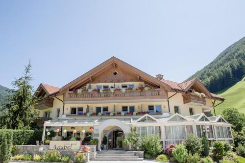 Alpine Life Hotel Anabel - Cadipietra / Steinhaus