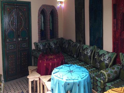 Dar Aldea Трехместный номер с собственной ванной комнатой