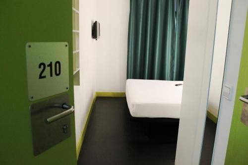Raval Rooms photo 16