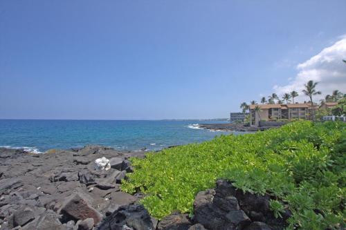 Oceanview Royal Sea Cliff Condo