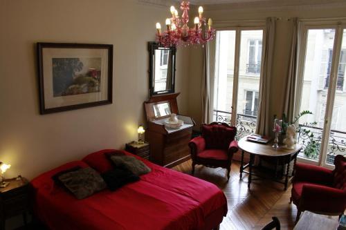 A Room In Paris