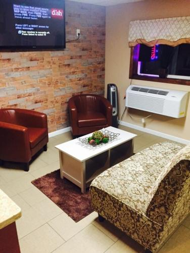 Holiday Motel Andover in Andover Township (NJ) - Room Deals