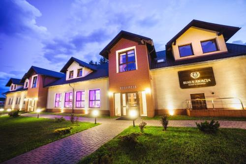. Biała Akacja Resort & Business