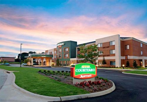 Courtyard by Marriott Troy - Troy, Alabama