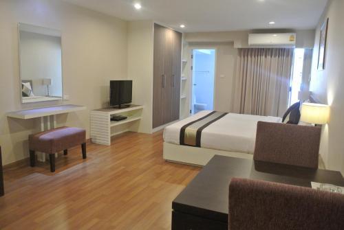 Nanatai Suites photo 3
