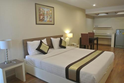 Nanatai Suites photo 5