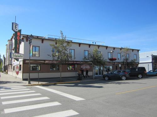 Edgewater Hotel - Whitehorse, YT Y1A2A7