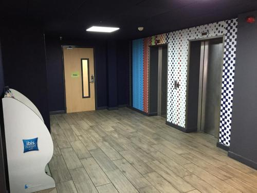 ibis budget Cardiff Centre picture 1 of 28