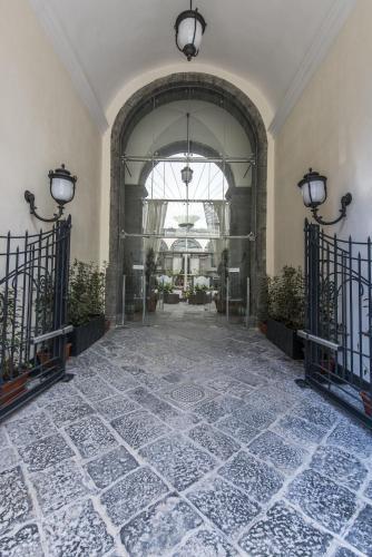 Via Carbonara 112, 80139 Naples, Italy.