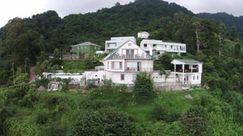 Mount Villa Kvariati - Accommodation