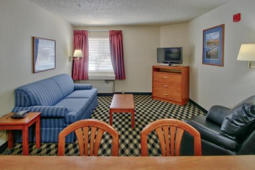 Mcm Elegante Suites - Colorado Springs, CO 80918