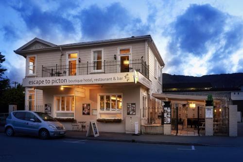 33 Wellington Street, Picton, Marlborough, South Island, New Zealand.