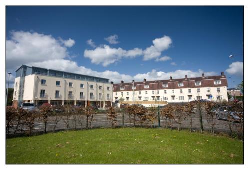 Belmore Court & Motel,  Tempo Road,  Enniskillen, Fermanagh BT74 6HX, Northern Ireland.