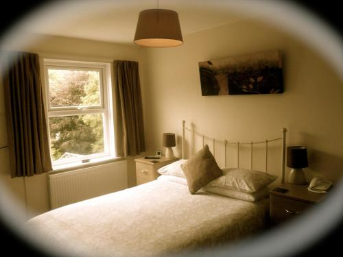 Strathallan Guest House (B&B)