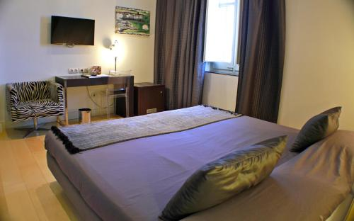 Superior Double Room Hotel Sant Roc 104