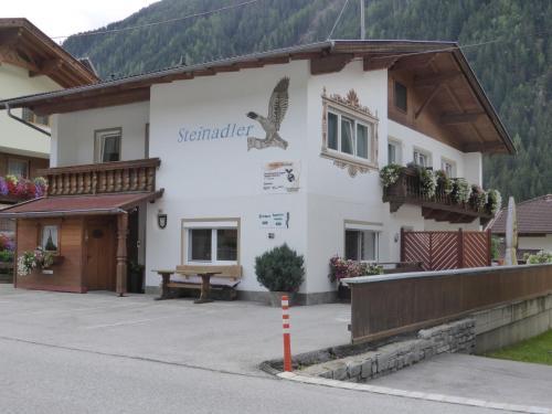 Pension Steinadler - Accommodation - Neustift im Stubaital